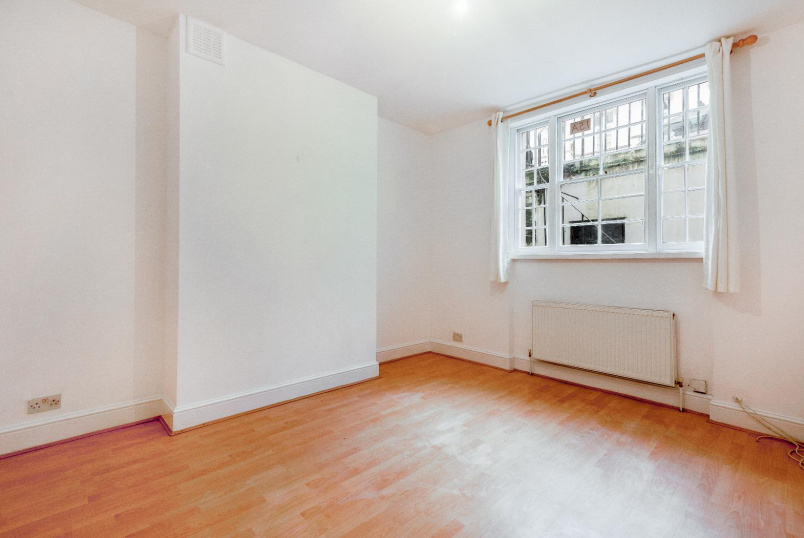Apartment to rent in Pimlico and Westminster - WINCHESTER STREET, SW1V