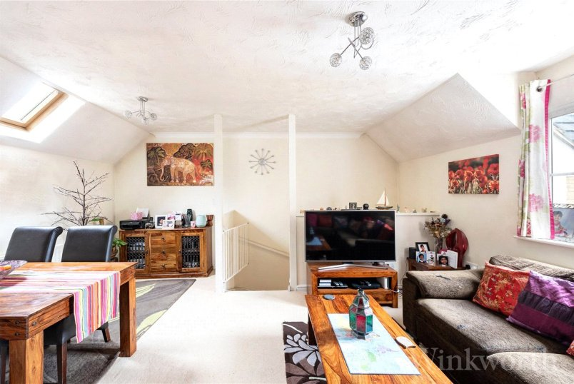House to rent in New Cross - Joseph Hardcastle Close, London, SE14