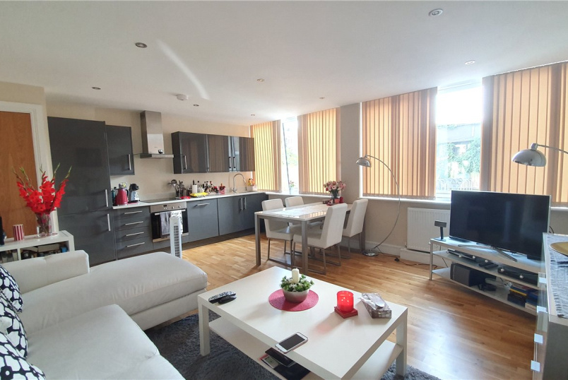 Flat/apartment to rent in Harrow - Baldwin House, 2 Gayton Road, Harrow, HA1