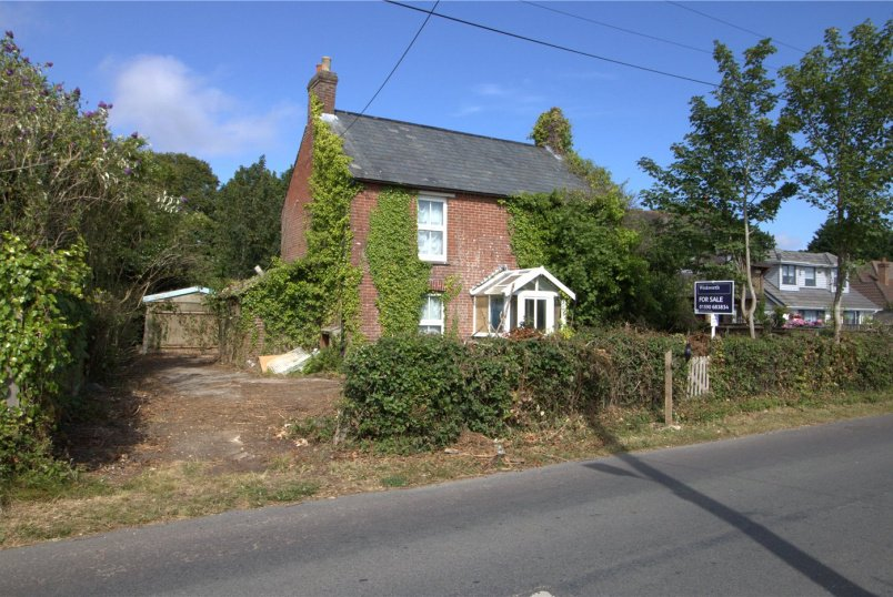 House for sale in Sway - Station Road, Sway, Lymington, SO41