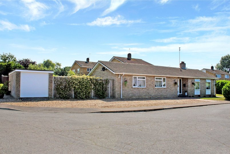 Bungalow for sale in  - Highland, Poringland, Norwich, NR14