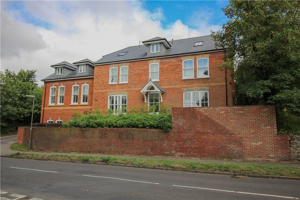 Cavendish Place, School Hill, Wrecclesham Image 12
