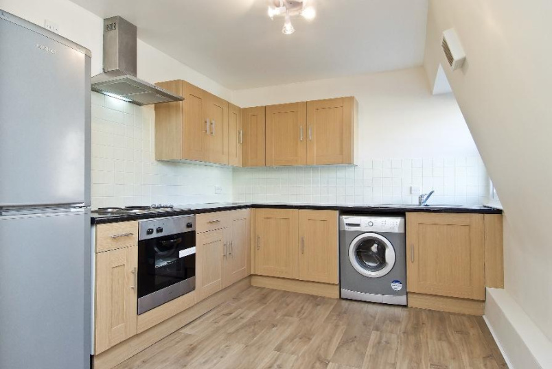 Apartment to rent in  - LANDSOWNE WAY, SW8