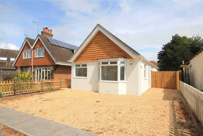 Bungalow for sale in Mudeford - Bure Close, Friars Cliff, Christchurch, BH23
