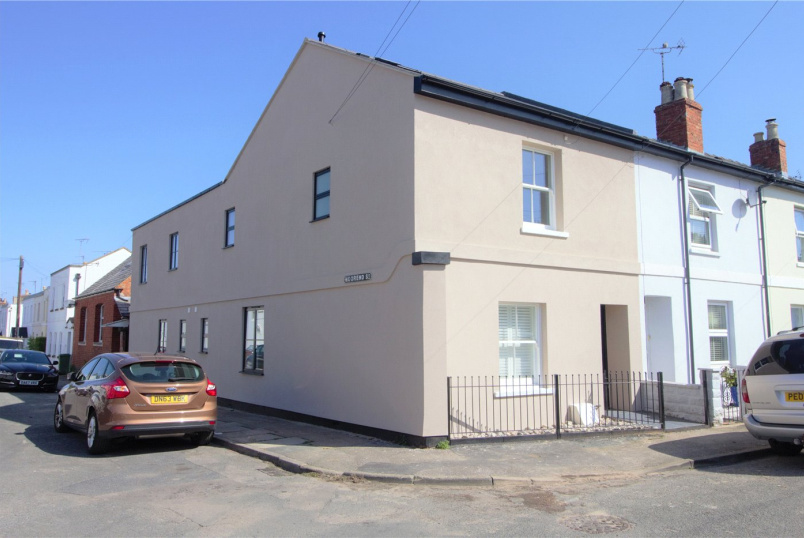 Flat/apartment to rent in Cheltenham - Moorend Terrace, Croft Street, Leckhampton, GL53