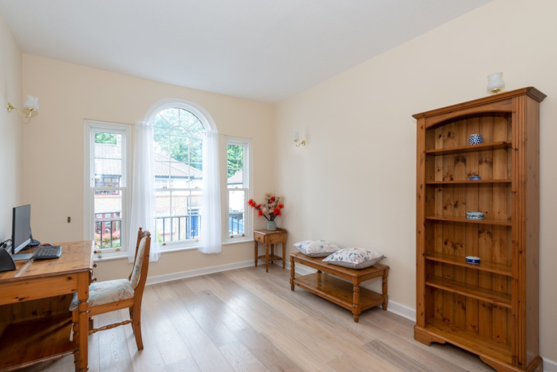 Flat/apartment for sale in Surrey Quays - Helena Square, London, SE16