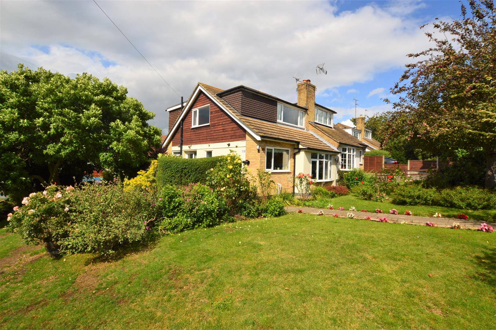 Awe Inspiring 3 Bedroom Property For Sale In Tiverton Road Loughborough Home Remodeling Inspirations Cosmcuboardxyz