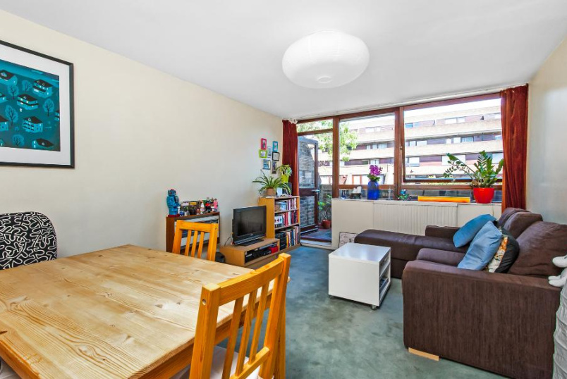 Flat to rent in  - MEAD ROW, SE1