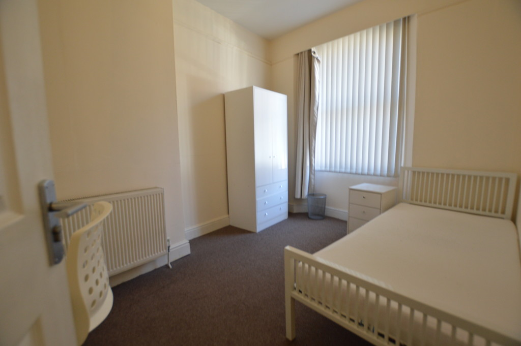 1 Bedroom Property To Let In Caernarfon Road Bangor 390 Pcm