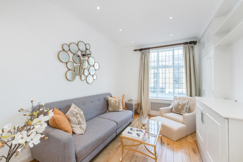 Flat/apartment to rent in Knightsbridge & Chelsea - Crompton Court, Brompton Road, London, SW3