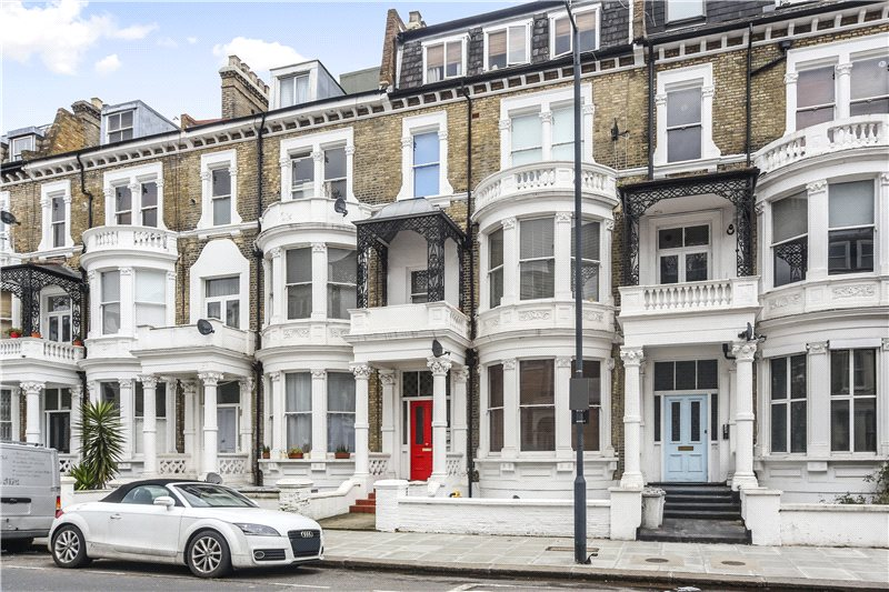 Flat/apartment to rent in Hammersmith - Sinclair Road, Brook Green, W14