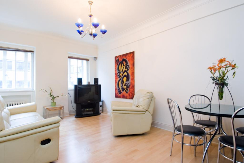 Flat/apartment to rent in Paddington & Bayswater - Wigmore Court, 120 Wigmore Street, London, W1U