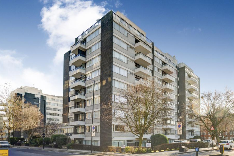 Apartment for sale in  - LONDON HOUSE, ST JOHN'S WOOD, NW8 7PX