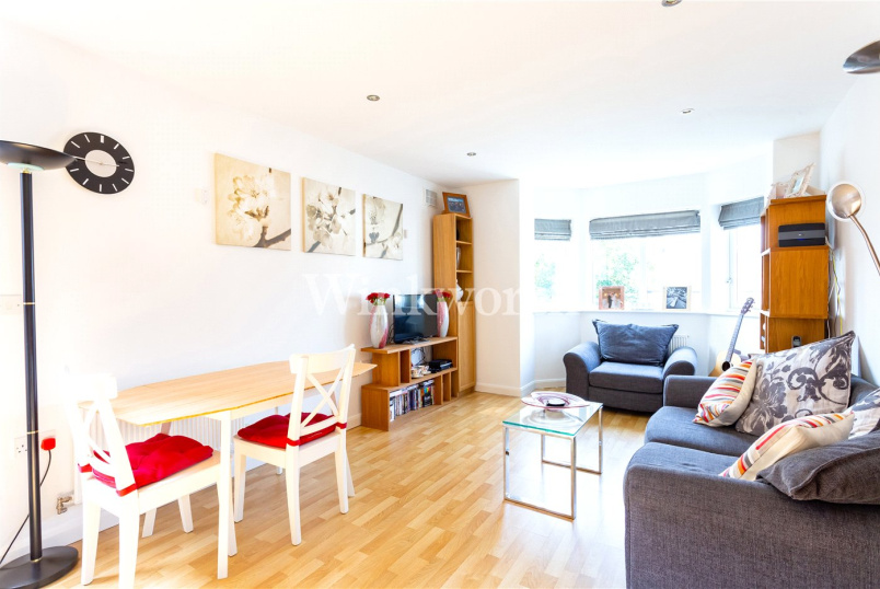 Flat/apartment for sale in Hendon - Spencer House, 156 Station Road, London, NW4