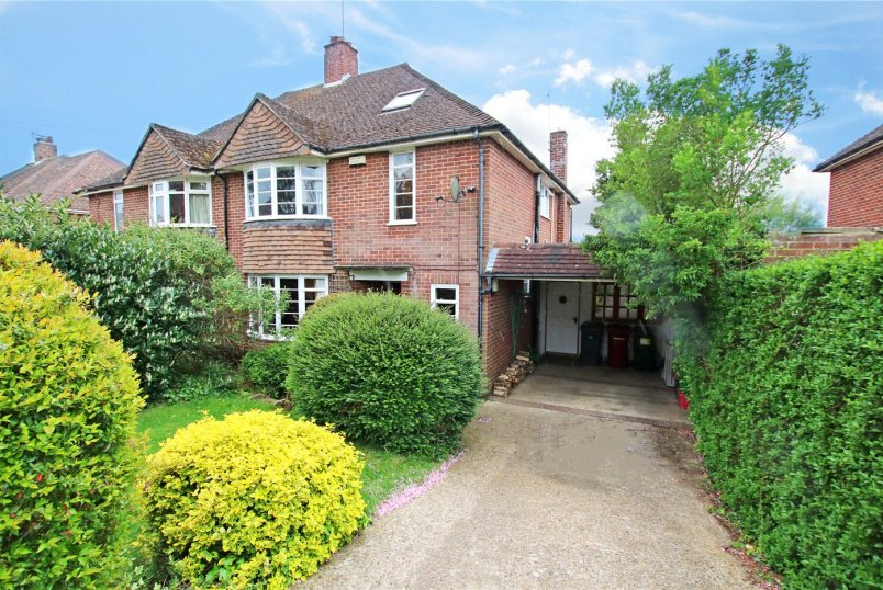House for sale in  - Crawshay Drive, Emmer Green, Reading, RG4
