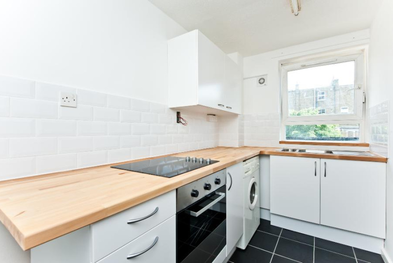 Flat to rent in Kennington - ELWORTH HOUSE, SW8