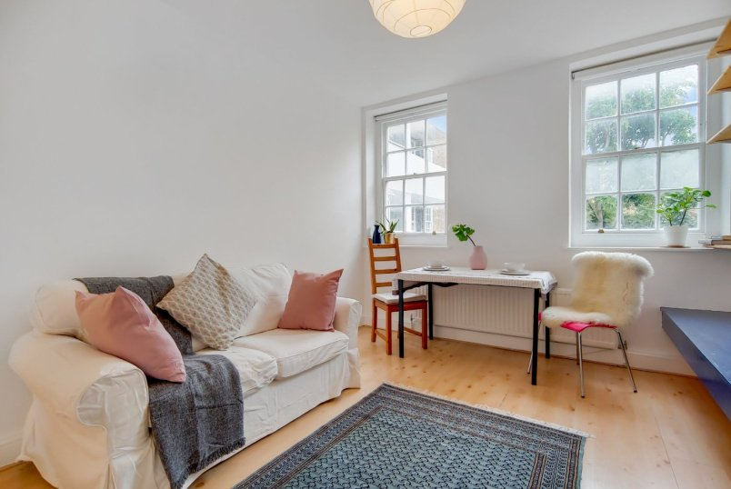 Flat/apartment for sale in Islington - Maygood House, Maygood Street, London, N1