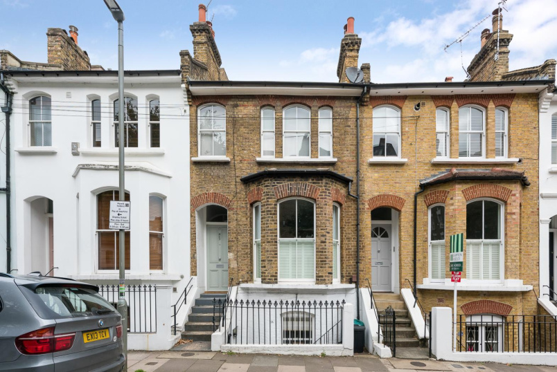 Apartment for sale in Battersea - BENNERLEY ROAD, SW11