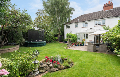 Wonderful family home situated along a sought after road in Brockham