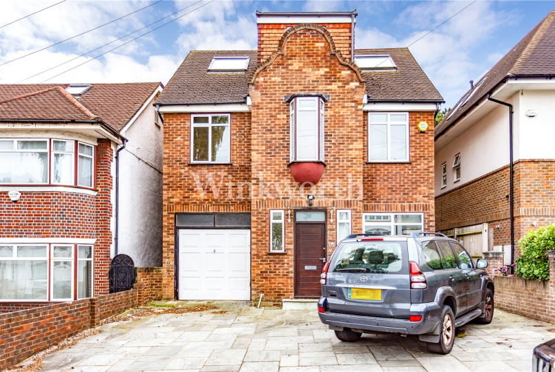 House to rent in Hendon - Green Walk, London, NW4