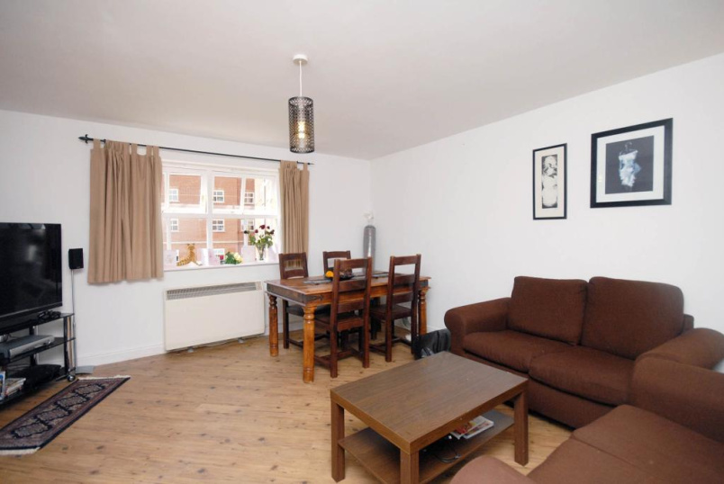 Flat/apartment to rent in Tooting - Lisle Close, Heritage Park, London, SW17