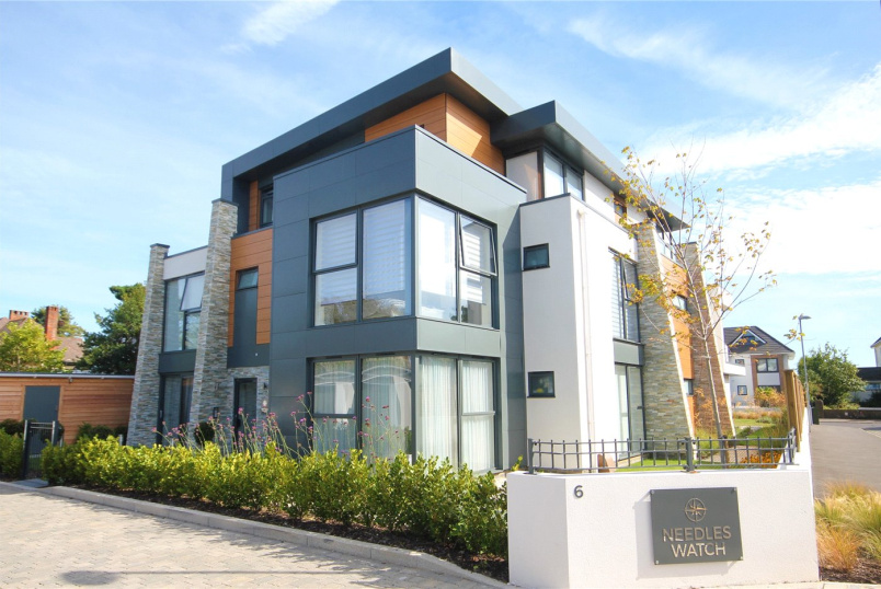 Flat/apartment for sale in Highcliffe - Needles Watch, 6 Wharncliffe Gardens, Highcliffe-On-Sea, BH23