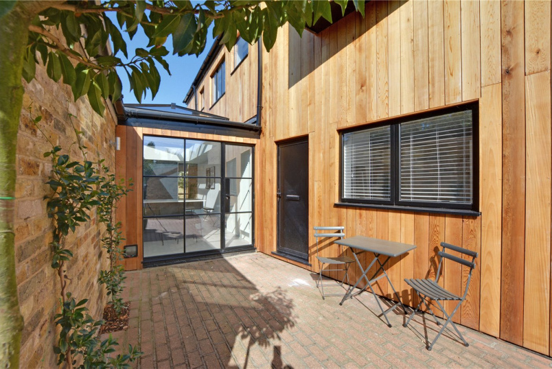 House for sale in Chislehurst - Church Row Mews, Chislehurst, BR7