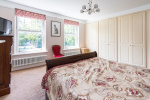 Period charm and close to 1500 sq ft of flexible accommodation 5