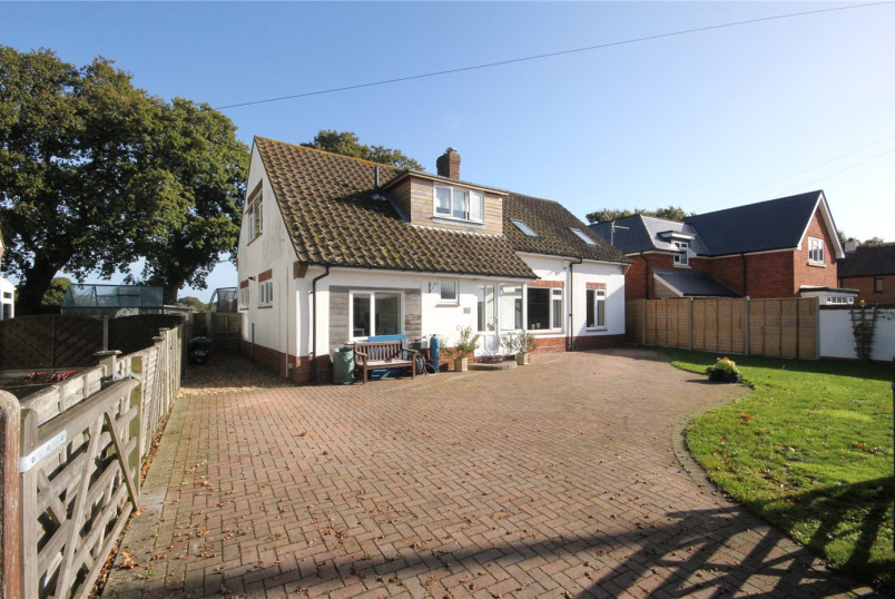 House for sale in Milford On Sea - Everton Road, Hordle, Hampshire, SO41