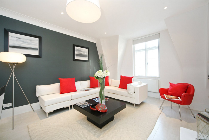 Flat/apartment for sale in Knightsbridge & Chelsea - Sloane Court East, London, SW3
