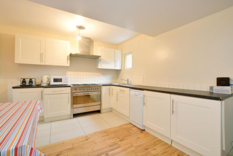 House to rent in Greenwich - Woodhill, London, SE18