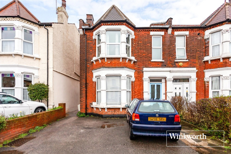 Flat/apartment for sale in  - Long Lane, Finchley, N3