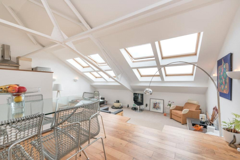Flat/apartment for sale in Kensal Rise & Queen's Park - Chartwell Court, 151 Brook Road, London, NW2