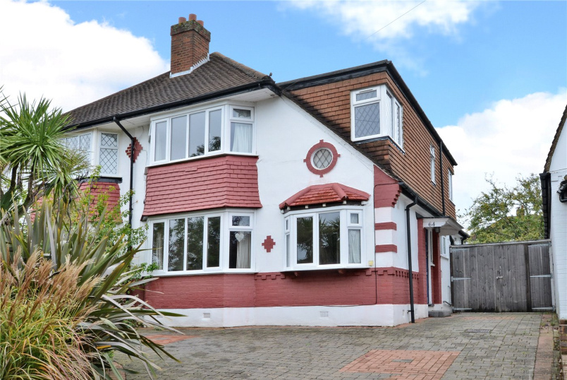 House to rent in Worcester Park - Seaforth Gardens, Epsom, Surrey, KT19