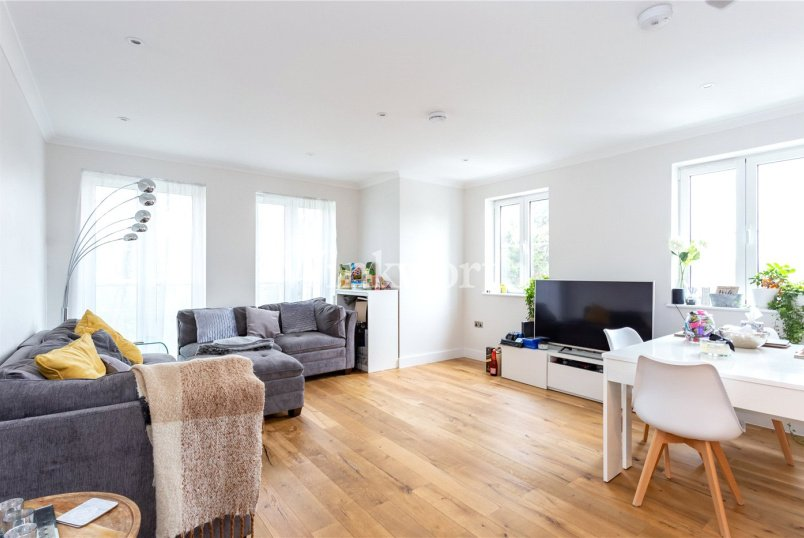 Flat/apartment for sale in Hendon - Great North Way, Hendon, London, NW4