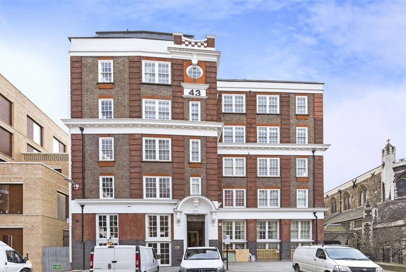 Flat/apartment for sale in Clerkenwell & City - Bartholomew Close, London, EC1A