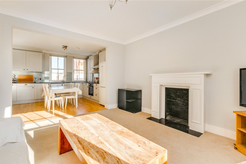 Flat/apartment to rent in Fulham & Parsons Green - Faraday Mansions, Queen's Club Gardens, London, W14