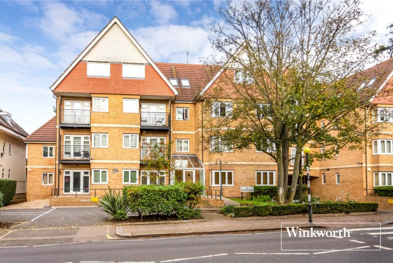 Flat/apartment to rent in Finchley - Milligan Lodge, 66A Hendon Lane, London, N3