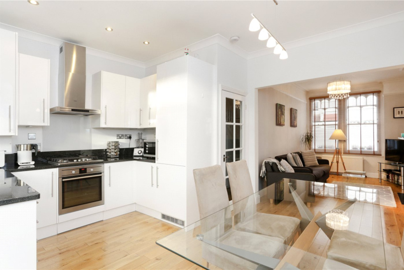 House for sale in Shepherds Bush & Acton - Galloway Road, London, W12