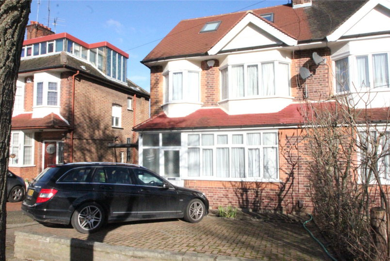 House to rent in Finchley - Chanctonbury Way, London, N12