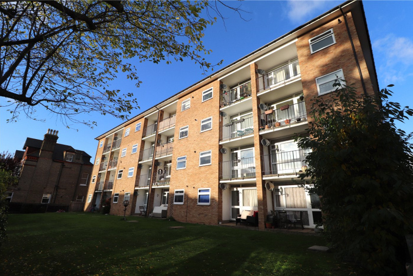Flat/apartment for sale in  - Lankton Close, Beckenham, BR3