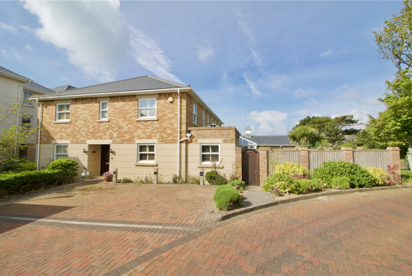 House for sale in  - Scholars Retreat, Whately Road, Milford On Sea, SO41