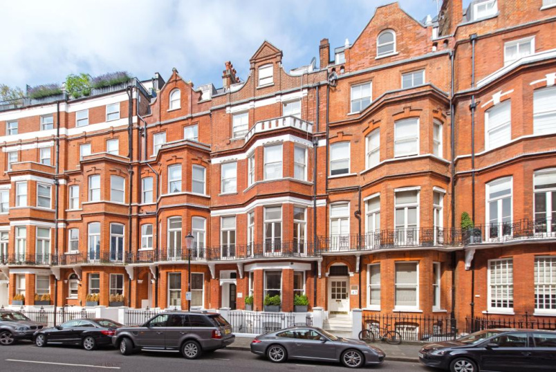 Flat/apartment to rent in  - Egerton Gardens, London, SW3