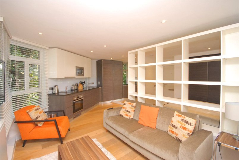 Flat/apartment to rent in Blackheath - Falconwood Court, 24 Montpelier Row, London, SE3