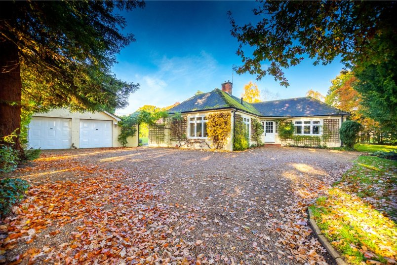 House for sale in Sunningdale - Rectory Lane, Windlesham, Surrey, GU20