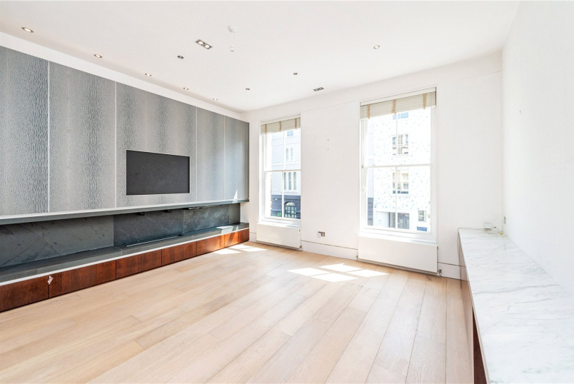 Maisonette to rent in Notting Hill - Talbot Road, London, W11
