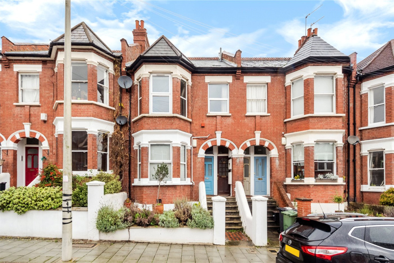 Maisonette for sale in  - Casewick Road, London, SE27