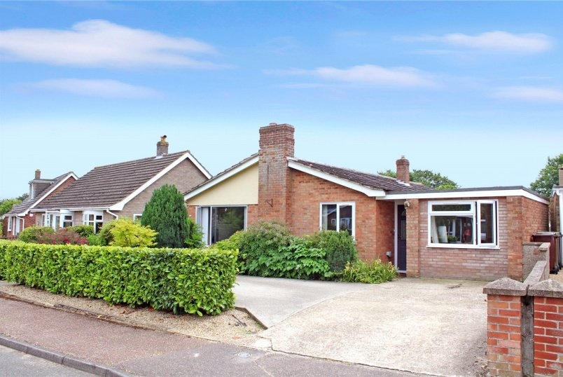Bungalow for sale in Poringland - Knyvett Green, Ashwellthorpe, NR16
