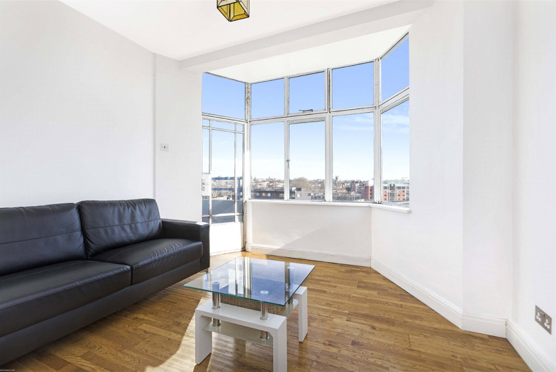 Flat/apartment to rent in West End - Trinity Court, 254 Gray's Inn Road, London, WC1X