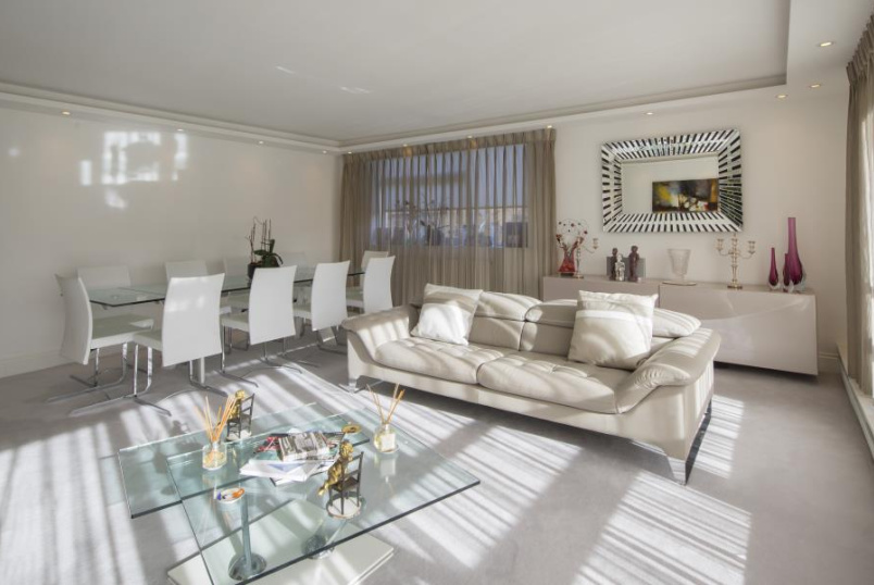 Apartment for sale in St Johns Wood - WALSINGHAM, QUEENSMEAD, NW8 6RJ